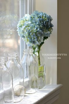 Toukokuun Tyttö - My Villa May: Säätilaus kesäkuuksi! Decor, Home Decor, Villa, Vase, Glass Vase, Glass