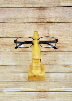For giovanni carelli Decorative handmade stand for eyeglasses