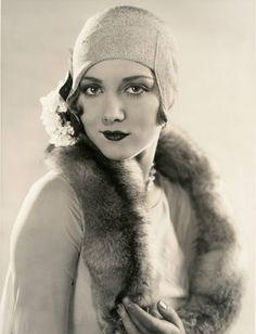 vintage everyday: 36 Vintage Photos Show a Unique and Elegant Style of 1920s Women Fashion