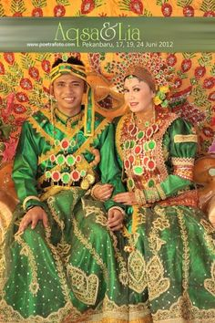 Foto Pernikahan Perkawinan Pengantin Adat Bugis di Pekanbaru & Inhil Riau Sumatera by Poetrafoto Photography, Wedding Photographer Yogyakarta Indonesia, http://wedding.poetrafoto.com/foto-perkawinan-pengantin-adat-bugis-pekanbaru-riau_336