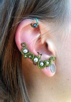 Elegant victorian elf leaf green wire wrapped ear cuff with silver plated beads