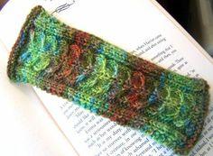 Backbone Bookmark By Kiersten - Free Knitted Pattern - (knitoneblogtwo.wordpress)