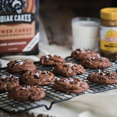 This recipe for Double Chocolate Cookies has been crafted for even the pickiest of chocolate connoisseurs and is best served warm with a tall glass of cold milk. Dark Chocolate Recipes, Double Chocolate Cookies, Chocolate Peanut Butter Cookies, Chocolate Muffins, Chocolate Lovers, Kodiak Power Cakes, Kodiak Cakes, Ww Desserts, Dessert Recipes