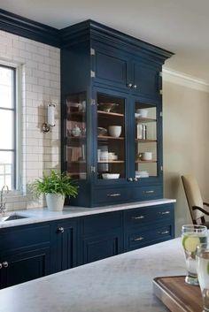Home Decor Kitchen, Diy Kitchen, Home Kitchens, Blue Kitchen Ideas, Dark Blue Kitchen Cabinets, Kitchen Cabinetry, Painted Kitchen Cabinets, Inside Kitchen Cabinets, Blue Kitchen Designs