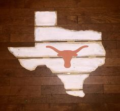 Wooden pallet board state of Texas with by kathyleeskreations
