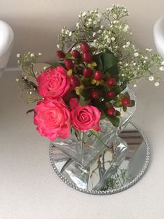 Pink roses, berries and gyp