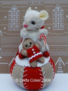 Adorable Christmas Mouse with  Gingerbread Girl
