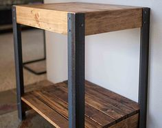 Repurposed plataforma madera y Metal mesa por woodandwiredesigns
