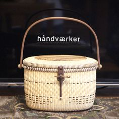 Nantucket Basket 9inch Tote with lid by handvaerker