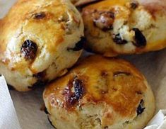 Raisin Scones I just made these and they are delicious Needs butter homemade jam or for the English some clotted cream Raisin Scones, Raisin Bread, Raisin Recipes, Clotted Cream, Taken For Granted, Cake Cookies, Nutella, Homemade, Snacks
