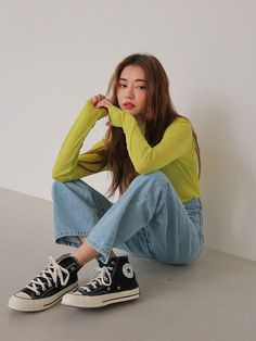 Female Pose Reference, Pose Reference Photo, Image Fashion, Look Fashion, Fashion Fall, Fashion Men, Fashion Trends, Korean Outfits, Mode Outfits