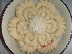 Create with dough Bulgarian Recipes, Jewish Recipes, Baking Recipes, Cookie Recipes, Festive Bread, Star Bread, Bread Art, Bread Shaping, Cooking Bread