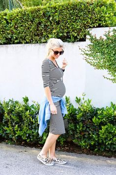 Are you expecting? And you would loveto look chic? Then you are here at right place. We've collected 23 best street style looks when you're expecting to make you lookimpossibly…