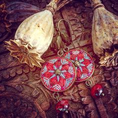 Next pair #earrings #embroidery #embroideredjewelry #textilejewelry #bordado #broderie #boho #bohemian #gybsystyle #ethno #inthereds #poppyseed #silk #wool #stitched