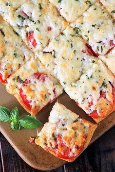 Crescent Roll Tomato-Basil Party Squares Image Fresh Tomato Recipes, Basil Recipes, Vegetable Recipes, Vegetarian Recipes, Cooking Recipes, Chef Recipes, Yummy Recipes, Tomato Dishes, Tomato Pie