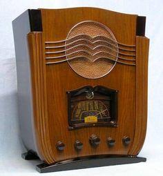 1936 Marconi Radio, actually invented by Nikola Tesla.