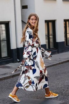 The Top Fall Trends in 6 Cool Outfits Best fall outfit ideas fall florals Spring Dresses Casual, Summer Dress Outfits, Trendy Dresses, Nice Dresses, Fall Outfits, Fashion Outfits, Dress Casual, Casual Fall, Dress Fashion