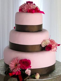 THIS IS A GREAT WEDDING CAKE SITE 101 WEDDING COLORS & DESIGNS TO CHOICE FROM