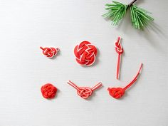 """Simple but beautiful. Know the meaning of """"Mizuhiki"""" and give thoughts to loved ones Knots, Wedding Gifts, Wraps, Stud Earrings, My Favorite Things, Simple, How To Make, Handmade, Beautiful"""