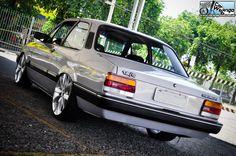 GMC Chevette  gris acero parte trasera