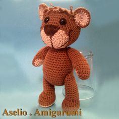 Häkelanleitungen - Bruno der kleine Bär - Amigurumi - ein Designerstück von Aselio bei DaWanda