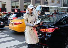 #StreetStyle   #NYC  Kate Davidson Hudson in a Balenciaga hat