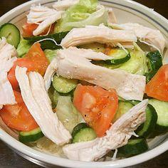 今日の晩飯、鶏むね肉ハムのサラダ by 奥さん手作り🐔 鶏むね肉ハムは奥さんの完全手作の自家製ハムです😊 素材の味で美味かったー👍  Today's dinner, handmade chicken breastmeat  ham salad by  my wife's handmade🐔  #food #dinner #salad #ham #meat #chicken #breastmeat #vegetables #fresh #healthy #yummy #handmade #homemade #homecooking #食べ物 #夕食 #サラダ #ハム #肉 #鶏肉 #鶏むね肉 #自家製ハム #野菜 #新鮮 #ヘルシー #美味い #手作り #自家製 #おうちごはん