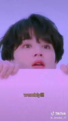 Bts Memes Hilarious, Bts Funny Videos, Kim Taehyung Funny, Bts Taehyung, Die Beatles, Park Jimin Cute, Bts Beautiful, V Bts Wallpaper, Foto Jimin