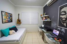 Inspire-se com a decoração do home office da Debora Dietrich e do Breno Lara, do Limãonagua.
