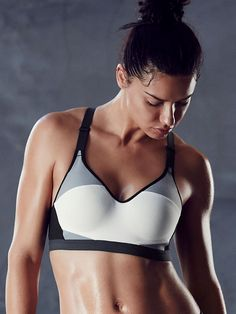 ad73c23a2bd83 Incredible by Victoria Sport Bra Workout Clothes