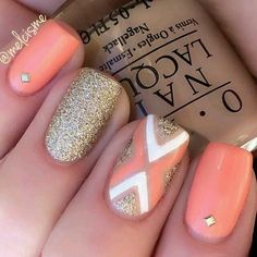 Coral _glitter nails