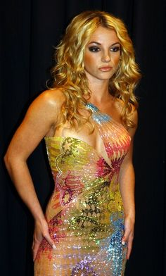Britney Spears looking absolutely stunning @ the Versace Fashion Show in Italy in 2002