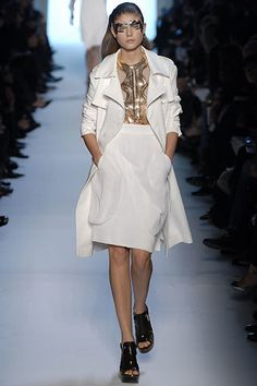 Givenchy Spring 2007 Ready-to-Wear Fashion Show - Maryna Linchuk