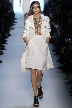 Givenchy Spring 2007 Ready-to-Wear Fashion Show - Maryna Linchuk