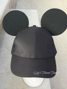 Mickey Mouse Inspired Ears - Black Baseball Cap for guys/boys - Add name optional Mickey Mouse Ears Hat, Disney Mouse Ears, Minnie Mouse, Baseball Theme Birthday, 1st Boy Birthday, Disneyland Trip, Disney Trips, Estilo Disney, Crazy Hats