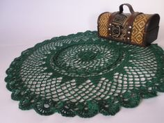 Christmas doily. Mantelito a crochet color verde pino.