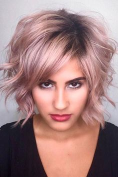Best Hairstyles & Haircuts for Women in 2017 / 2018 : 14 Adorable Short Layered Haircuts for the Summer FunShort layered haircuts are Hair Color Pink, Pink Hair, Medium Hair Cuts, Short Hair Cuts, Cheveux Courts Funky, Long Bob Blonde, Long Lob, Medium Blonde, Brunette Hair Cuts