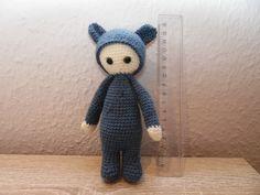 Meine erste Mini-Lalylala nach dieser Anleitung:  http://samengehaakt.blogspot.nl/2014_07_01_archive.html