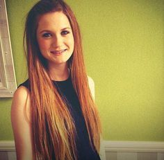 Bonnie Wright, her haircolour is amazing