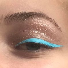 〰 azul marinho. #makeup #glitter #limecrime #stilla