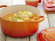 Stoofgerecht in een oranje le Creuset pan | VIA CANNELLA KOOKWINKEL | CUIJK
