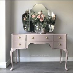 Vintage Dressing Table In Blush Pink Source by dressing tables Dressing Table Paint, Pink Dressing Tables, Dressing Table With Drawers, Dressing Room Decor, Bedroom Dressing Table, Vintage Dressing Tables, Dressing Room Design, Dressing Table Mirror, Dressing Table Victorian