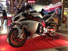 Yamaha r1 limited 2009 THE KOK MOTORBIKE
