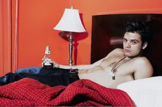 Seriously, what I wouldn't give to wake up next to Sebastian ✪ Stan every morning Bucky Barnes, Ben Barnes, Sebastian Stan Shirtless, Girl Faces, The Dark Side, Sabastian Stan, Actrices Sexy, Winter Soldier Bucky, Daddy