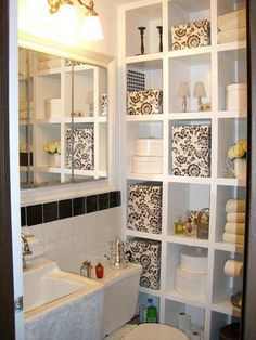 small bathroom decorating ideas. Cute way to decorate and organize at the same time!
