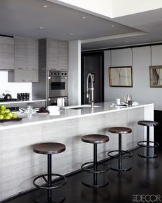 Elle Decor - NASCAR's Jimmie Johnson's New York Apartment, by designer Shawn Henderson kitchen, Caesarstone counters Kitchen Tops, Kitchen Decor, Urban Kitchen, Kitchen Cabinets, Minimal Kitchen, Stylish Kitchen, Kitchen Layout, Kitchen Countertops, Kitchen Island