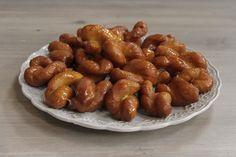 Resep l Martjie se koeksisters Koeksisters Recipe, Biltong, South African Recipes, Cookie Cups, Beef Jerky, Something Sweet, Desert Recipes, Recipe Using, Food Inspiration