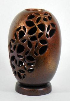 Award Winning Gourds intertwined by Judy Richie Decorative Gourds, Hand Painted Gourds, Ceramic Pottery, Ceramic Art, Gourds Birdhouse, Gourd Lamp, Creation Deco, Wooden Art, Nature Crafts