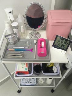 Eyelash Studio, Eyelash Salon, Beauty Room Salon, Beauty Room Decor, Home Nail Salon, Nail Salon Decor, Salon Interior Design, Salon Design, Perfect Eyelashes