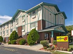 Portsmouth (VA) Super 8 Motel  Portsmouth Olde Town Area United States, North America Ideally located in the prime touristic area of Portsmouth, Super 8 Motel  Portsmouth Olde Town Area promises a relaxing and wonderful visit. Both business travelers and tourists can enjoy the hotel's facilities and services. Facilities like elevator, disabled facilities, car park are readily available for you to enjoy. Each guestroom is elegantly furnished and equipped with handy amenities. T...